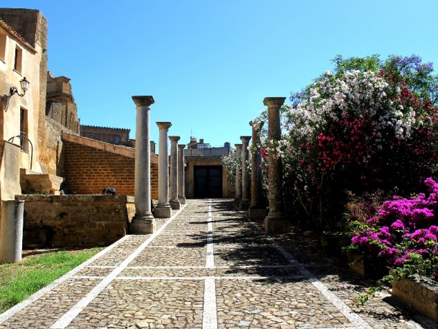 Castello Grifeo5