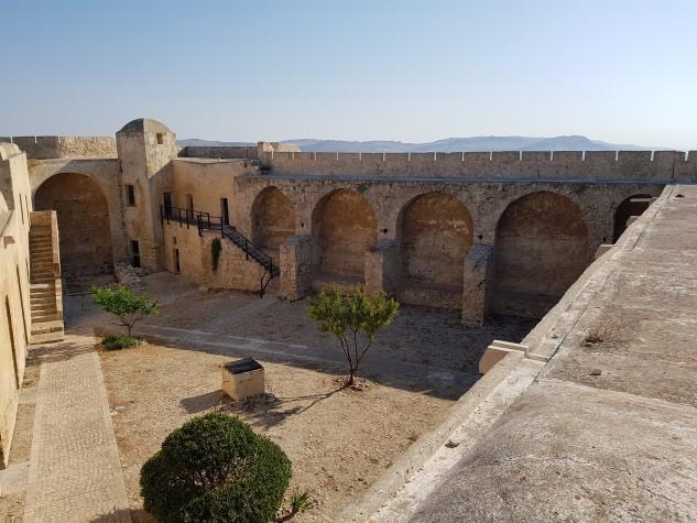 Castello Monte Sant'Angelo18