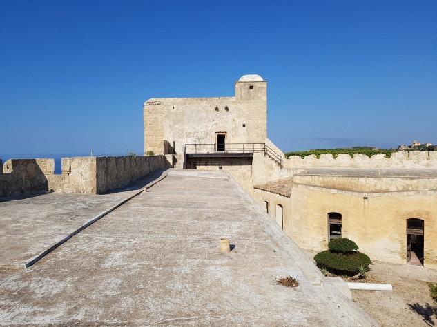 Castello Monte Sant'Angelo21