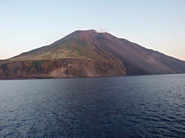 Isola di Stromboli e Strombolicchio2