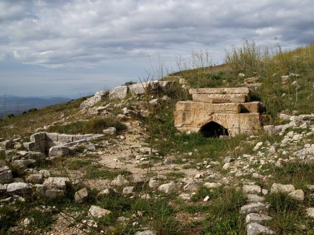 Monte-adranone-tomba-della-regina-SAMBUCA