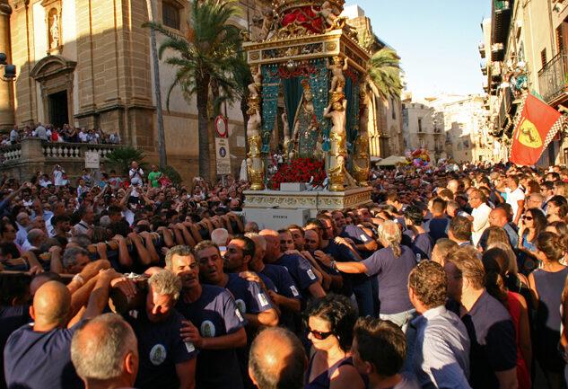 il-saluto-al-mare-della-Madonna-del-Soccorso