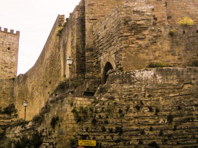 Castello di Lombardia (2)