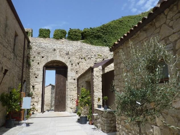 Castello di Montalbano Elicona (13)