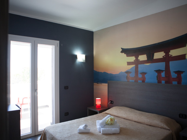 B&B Doric Bed Torii Itshukushima 1